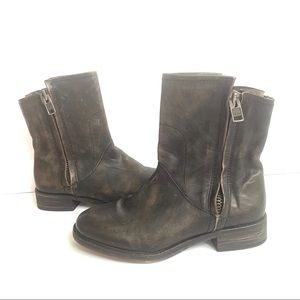 HINGE NEW DISTRESSED LEATHER DOUBLE ZIP ANKLE BOOT